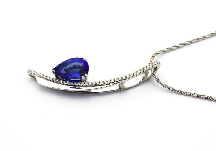 18K Tanzanite and Diamond Pendant