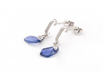 14k Tumbled Yogo Sapphire Earrings