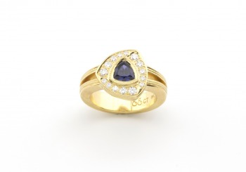 18k Yogo Sapphire and Diamond Ring
