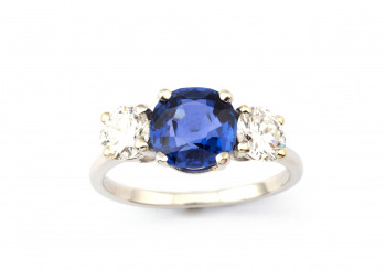 Platinum Yogo Sapphire and Diamond Ring